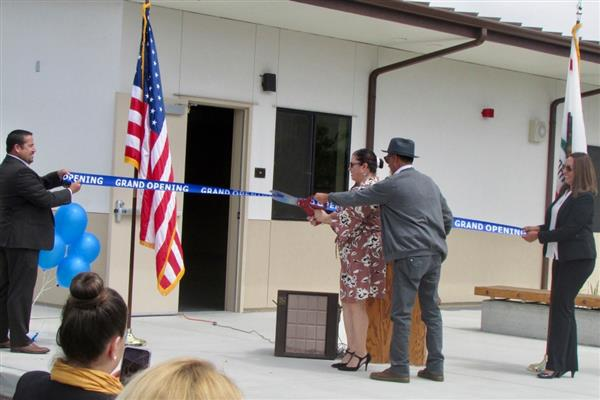 Ribbon Cutting Ceremony of the new CTE Health and Public Service lab